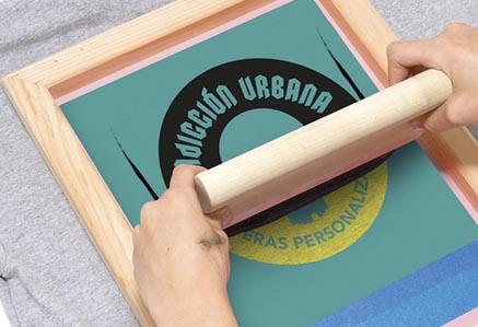Serigrafía textil y laboral en newgrafp. Impresion y personalizacion de articulos para merchandising