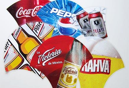 Etiquetas IML para todo tipo de envases y productos plásticos. Etiquetas para sillas de plastico, mesas de plastico, cubos y todo tipo de utensilios plasticos